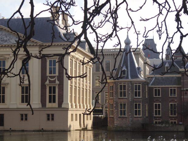 Torentje / Mauritshuis / voormalige ministerie van Kolonien op de achtergrond