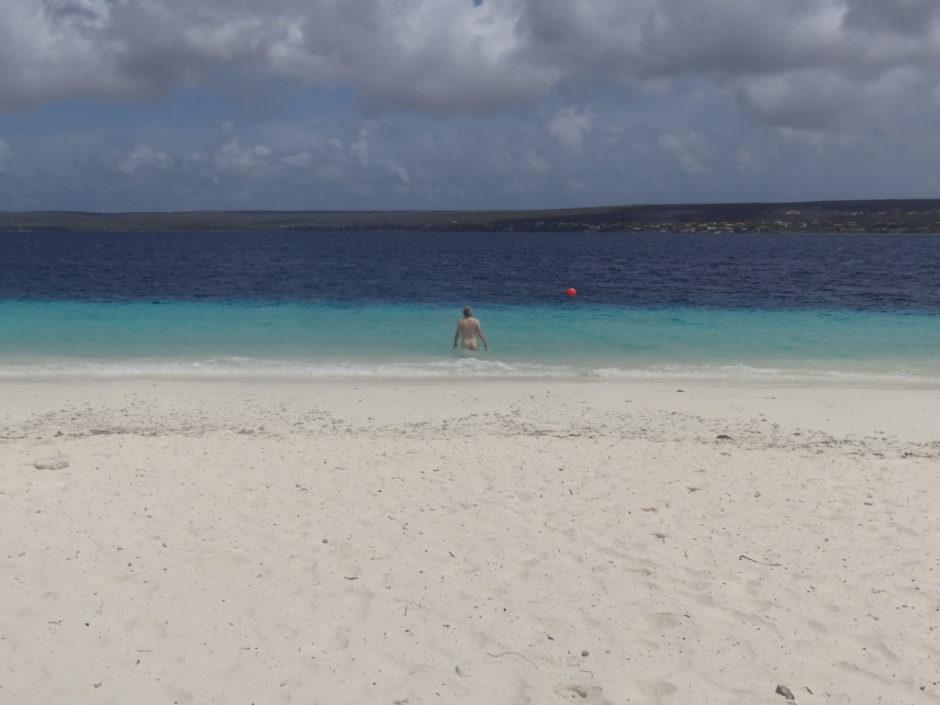 Nederland op ABC-eilanden - 5 - badgast - foto Aart G. Broek