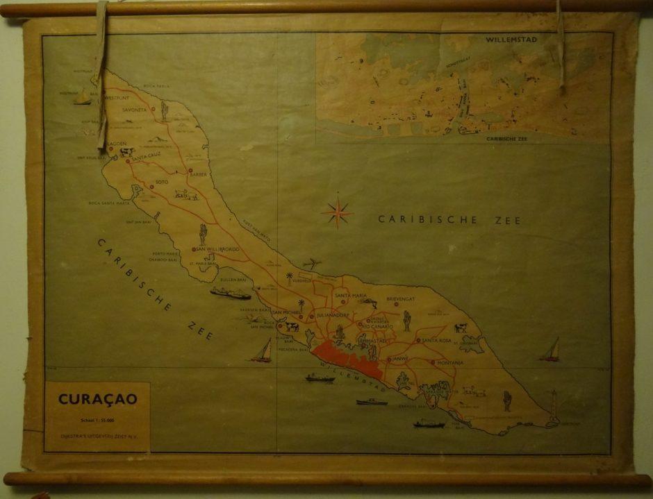 Curacao - Dijkstra's uitgeverij Zeist - schaal 1 : 55.000 / foto Aart G. Broek