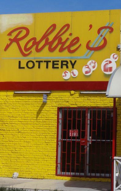 Robbie's Lottery Curaçao - foto Aart G. Broek